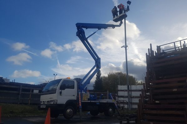 20 meter truck mounted cherry picker hire macclesfield